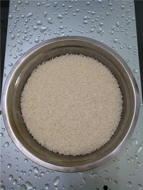 如果泡米超出24小时就要换水再泡,时间过长怕水变质。