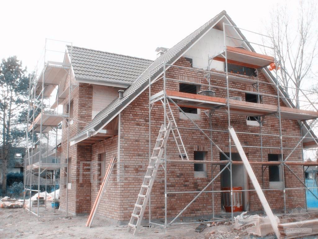 框架结构的房子是用钢筋混凝土浇灌成梁柱来承重的,其大部分的墙体都